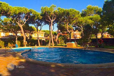 Townhouses for sale in Costa del Garraf. Townhouse with terrace in Gava Mar, Barcelona