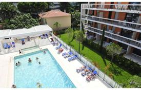 Apartments for rent with swimming pools in Provence - Alpes - Cote d'Azur. Apartment – Villeneuve-Loubet, Côte d'Azur (French Riviera), France