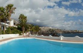 Houses with pools for sale in Tenerife. Villa – Los Gigantes, Canary Islands, Spain