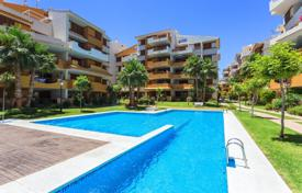 Three-bedroom apartment only 100 meters from the beach in Punta Prima, Alicante, Spain for 219,000 €