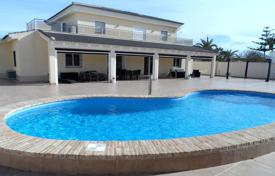 5 bedroom houses for sale in Spain. Cozy villa with a private plot, a pool and a garage, Los Altos, Spain