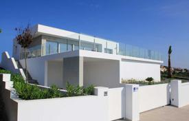 Villas with private pool and panoramic sea views in Cumbre del Sol for 600,000 €