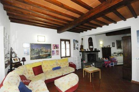 2 bedroom houses for sale in Tuscany. Villa with a fireplace, a veranda, a garden, and a panoramic view, Florence, Italy