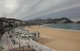 4 bedroom apartments by the sea for sale in Spain. In the best street of San Sebastian, first line to the sea, with an amazing view of all the San Sebastian bay
