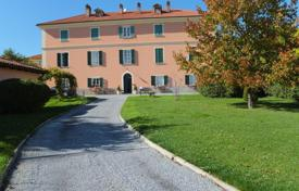 4 bedroom houses by the sea for sale in Livorno. Villa – Livorno, Tuscany, Italy