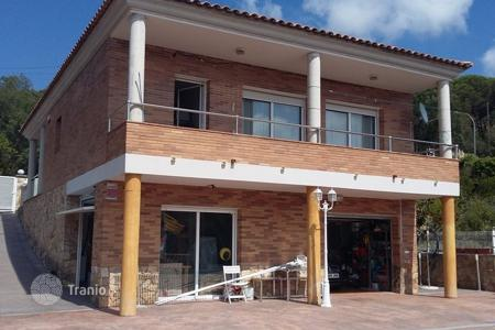 Chalets for sale in Costa Brava. House with 3 bedrooms in urb. Lloret Residencial