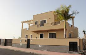 4 bedroom houses for sale in Spain. Spacious villa with a private pool and a gym, Callao Salvaje, Tenerife