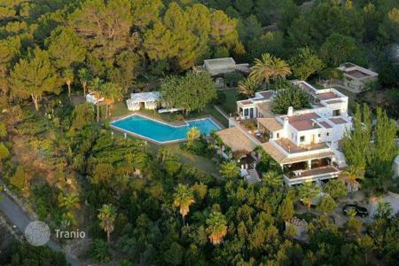 Residential for sale in San Agustín. Superb luxury house with panoramic sea views for sale in Ibiza 30,000 m² plot with main house and guest houses. Fantastic potential