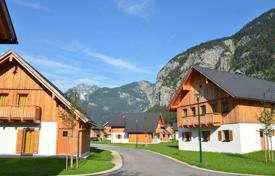 Property for sale in Hallstatt. Attractive chalets on the lake near Hallstatt