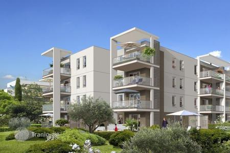 Cheap apartments for sale in Provence - Alpes - Cote d'Azur. Apartment in a new comfortable build in Cagnes-sur-Mer on the Cote d'-Azur