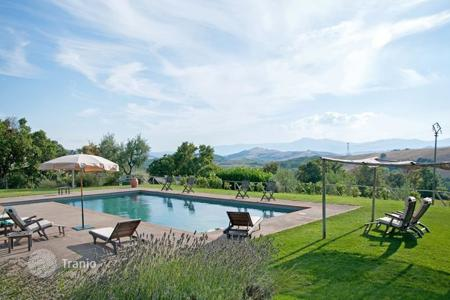 Villas and houses to rent in San Casciano dei Bagni. Villa – San Casciano dei Bagni, Tuscany, Italy