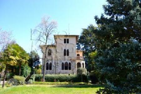 Residential for sale in Angera. Villa – Angera, Lombardy, Italy