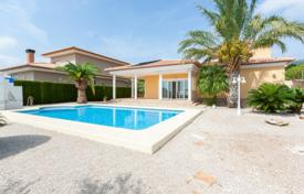 Houses with pools for sale in Beniarbeig. Villa – Beniarbeig, Valencia, Spain
