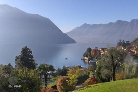 Cheap 3 bedroom apartments for sale in Italian Lakes. Apartment – Lake Como, Lombardy, Italy