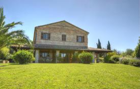 Property for sale in Marche. Comfortable villa with a terrace, Marche, Italy