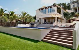 Luxury property for sale in Majorca (Mallorca). Spacious furnished villa with a private garden, a pool, a parking and sea views, Port d'Andratx, Spain