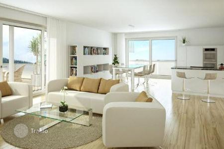 Residential for sale in Baden-Wurttemberg. Five-room apartment with a terrace in a new complex in Freiburg, Betzenhausen area