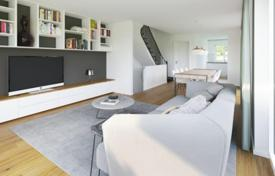 4 bedroom apartments for sale in Germany. Comfortable apartment with light rooms, Krailling, Germany