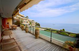 2 bedroom apartments by the sea for sale in Provence - Alpes - Cote d'Azur. Luxurious 3 Rooms apartment with terrace sea view in residence top of the range
