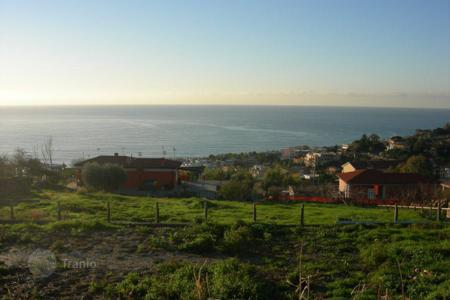 New homes for sale in Liguria. Landplot for the construction of several villas