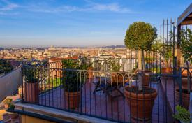 Luxury penthouses for sale in Italy. Property with extraordinary features with exclusive views in the most representative area of the historic center