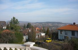 Villas and houses to rent in Hungary. Detached house – Budapest, Hungary