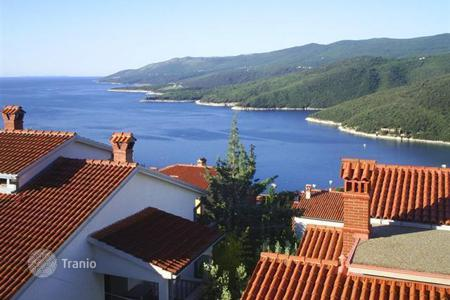 Coastal apartments for sale in Istria County. Apartment in Rabac