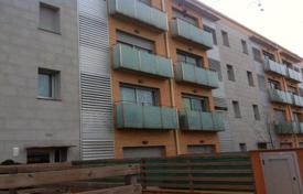 Foreclosed 2 bedroom apartments for sale in Catalonia. Apartment – Gerona (city), Costa Brava, Spain