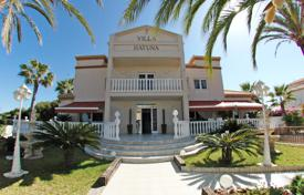 Luxury 6 bedroom houses for sale in Costa Blanca. Villa of 6 bedrooms in Orihuela Costa