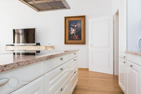 Luxury apartments for sale in Munich. Three-bedroom apartment in a luxury residential complex in Munich