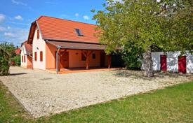 4 bedroom houses from developers for sale overseas. Well maintained detached house 5 km from the southern shore of Lake Balaton