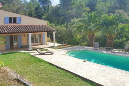Cheap property for sale in Mougins. Villa – Mougins, Côte d'Azur (French Riviera), France