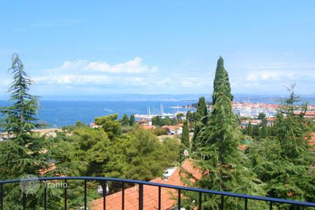 Coastal apartments for sale in Obalno-Cabinet. New home – Izola, Obalno-Cabinet, Slovenia
