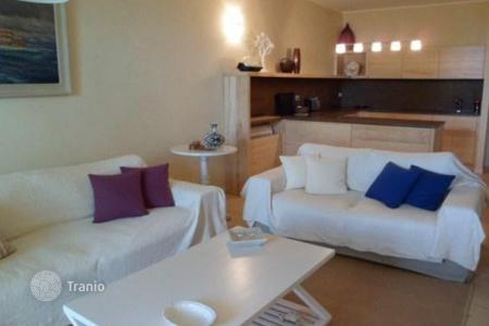 Apartments for sale in Lucca. Apartment – Forte dei Marmi, Tuscany, Italy