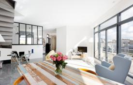 Luxury residential for sale in Ile-de-France. Boulogne North – A renovated near 150 m² apartment with a terrace