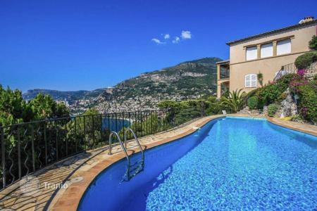 Houses with pools for sale in Roquebrune - Cap Martin. Beautiful villa with panoramic sea views in Cap-Martin
