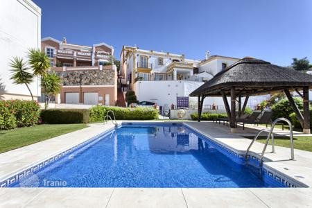 Townhouses for sale in Costa del Sol. Beautiful Town House, Monte Mayor, Benahavis