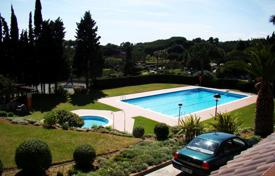 Coastal residential for sale in Costa del Maresme. Terraced house – Sant Andreu de Llavaneres, Catalonia, Spain