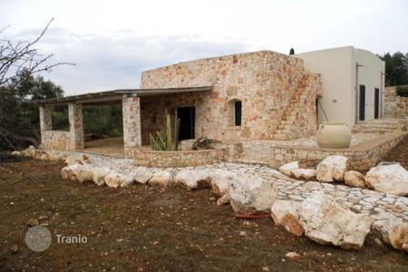 Residential for sale in Pescoluse. Modern post Baroque style villa with sea view, garden and Jacuzzi in Pescoluse, Lecce, Italy