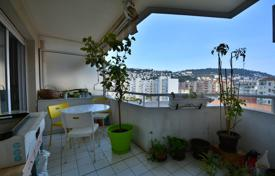 1 bedroom apartments for sale in Côte d'Azur (French Riviera). Close to amenities, 2 rooms with terrace and parking, quiet with unobstructed views