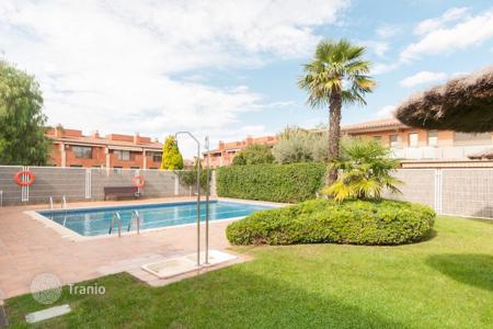 Coastal residential for sale in Sant Cugat del Vallès. Terraced house – Sant Cugat del Vallès, Catalonia, Spain