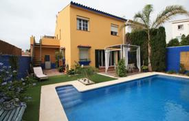 Two-level villa with a garden and a pool, Cadiz, Andalusia, Spain for 330,000 €