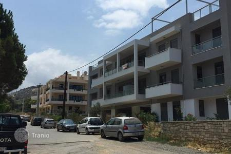 Coastal new homes for sale in Greece. Two-bedroom apartment 66 m² in Rethymnon on the first floor with a magnificent view of the sea and the mountains