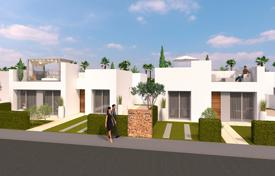 Houses with pools for sale in Pilar de la Horadada. Modern 3 bedroom villa in front line in Lo Romero Golf