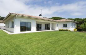 Spacious villa with a garden, a pool and a terrace, 300 meters from the beach, S'Agaro, Spain for 3,500,000 €