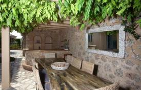 5 bedroom villas and houses by the sea to rent in Administration of the Peloponnese, Western Greece and the Ionian Islands. Villa – Porto Cheli, Administration of the Peloponnese, Western Greece and the Ionian Islands, Greece