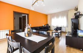 Cheap apartments for sale in Sant Pol de Mar. Remodeled apartment in the center
