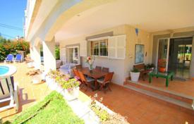 5 bedroom houses for sale in Majorca (Mallorca). Villa – Palmanova, Balearic Islands, Spain