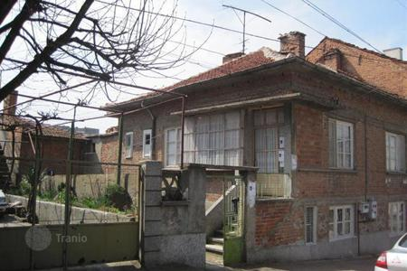 Cheap houses for sale in Yambol. Property for sale in the centre of the town of Yambol