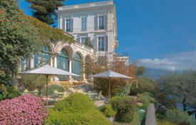 Villas and houses to rent in Nice. Sumptuous Belle Epoque waterfront property